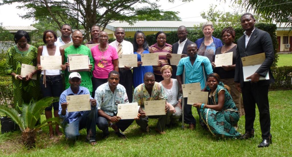 2011-CAMEROEN april deel 2 097 - certificaten klein